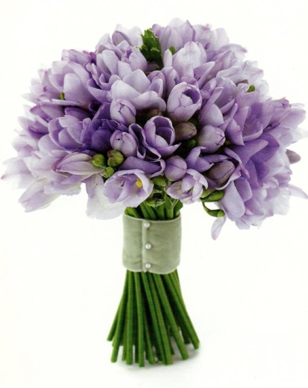 Букет из цветов крокусы